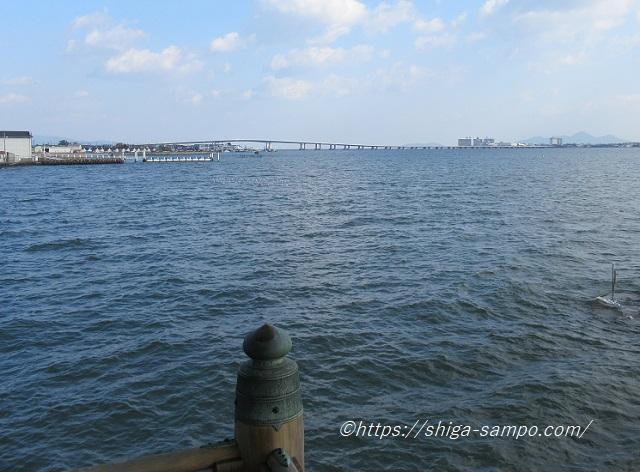 浮御堂と琵琶湖大橋